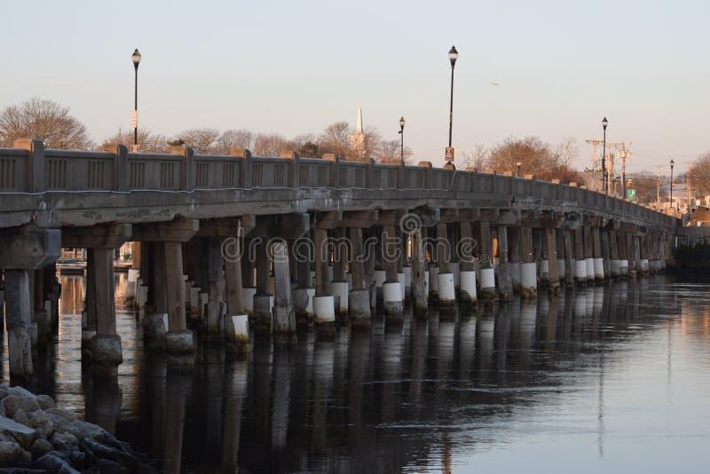 Мост в Ярмут, треска дороги накидки, Массачусетс стоковое фото rf