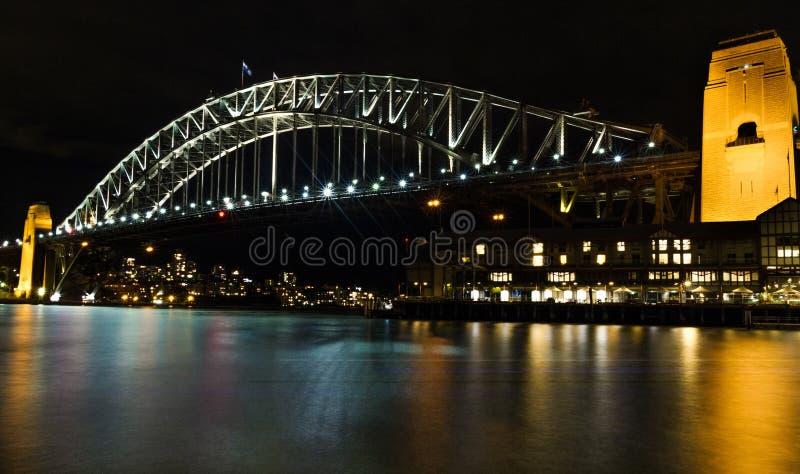 Мост гавани Сидней на ноче стоковая фотография