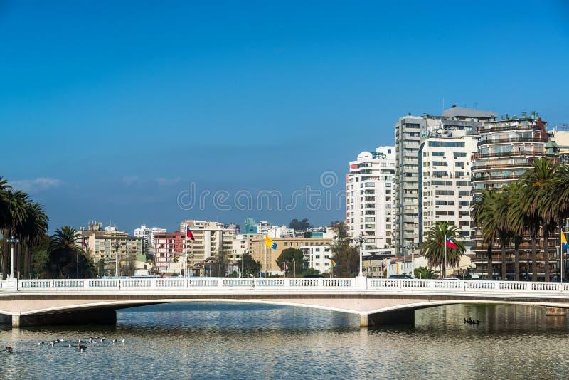 Мост и лиман в Vina Del Mar стоковые изображения rf