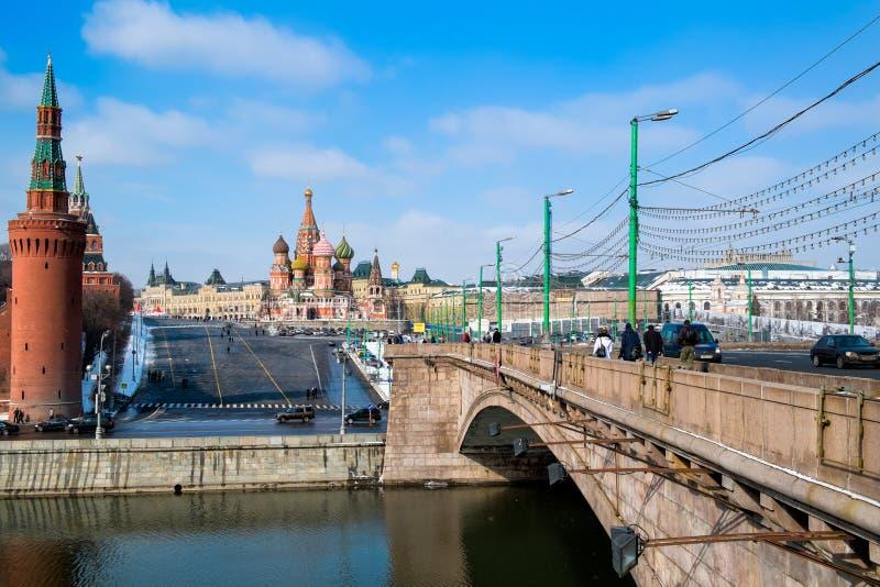 Мост к красной площади стоковые фото