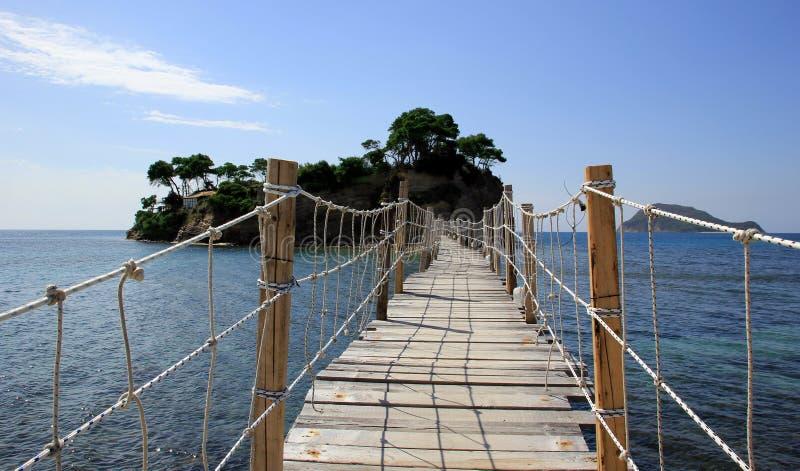 Мост к острову камеи в Закинфе стоковое фото rf