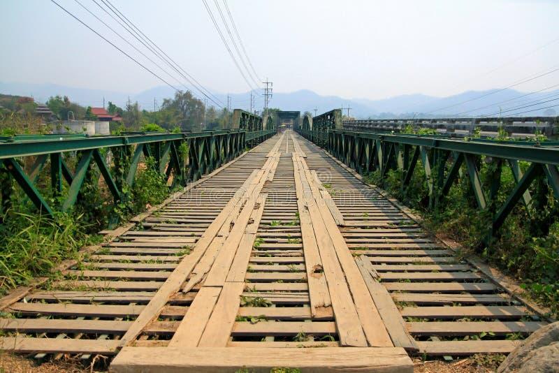 Download Мост мемориала Второй Мировой Войны Стоковое Фото - изображение насчитывающей сценарно, сталь: 33739110