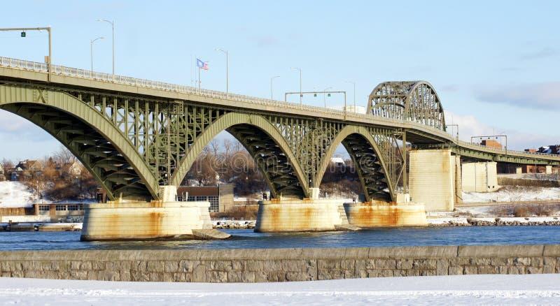 Мост мира в зиме стоковое фото