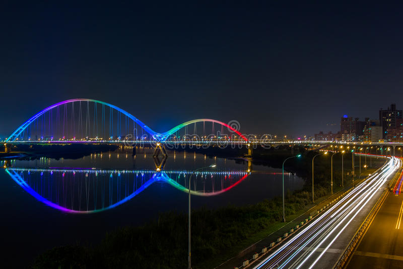 Мост молодого месяца стоковая фотография rf