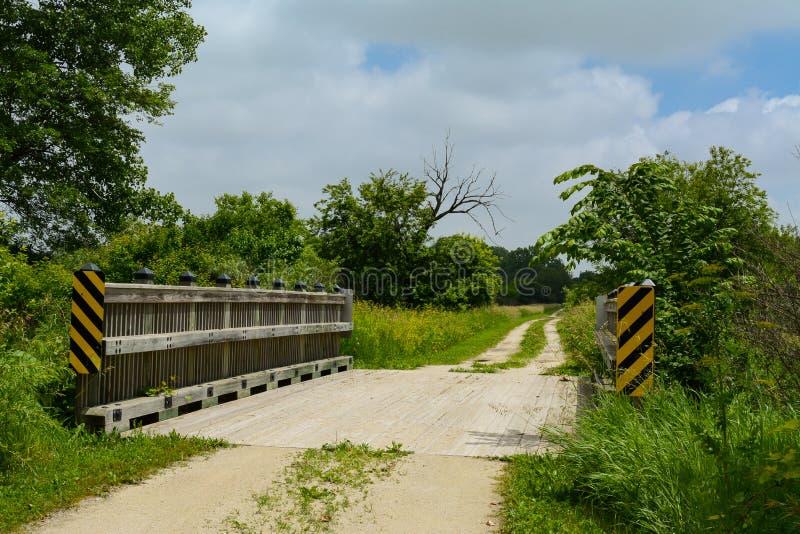 Мост над заводью стоковые изображения