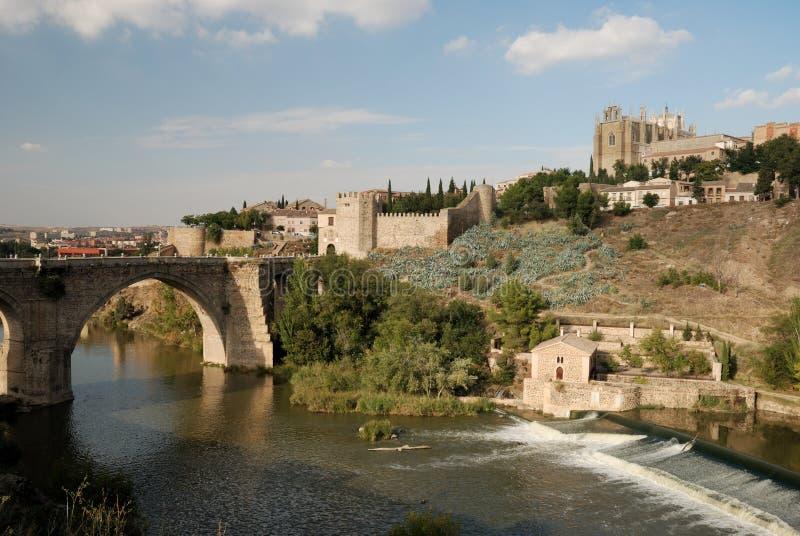 мост над рекой tagus toledo стоковое фото
