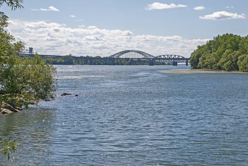 Мост над St. Рекой Lawrence стоковая фотография