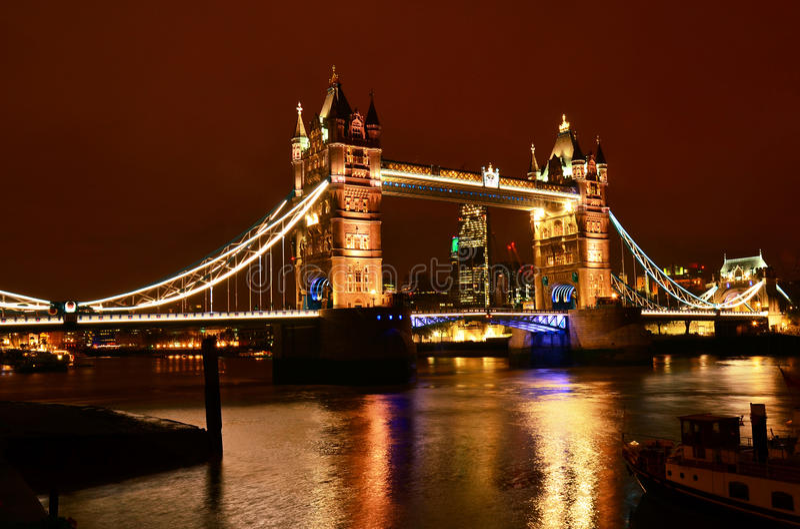Мост на ноче, Лондон башни стоковое фото rf