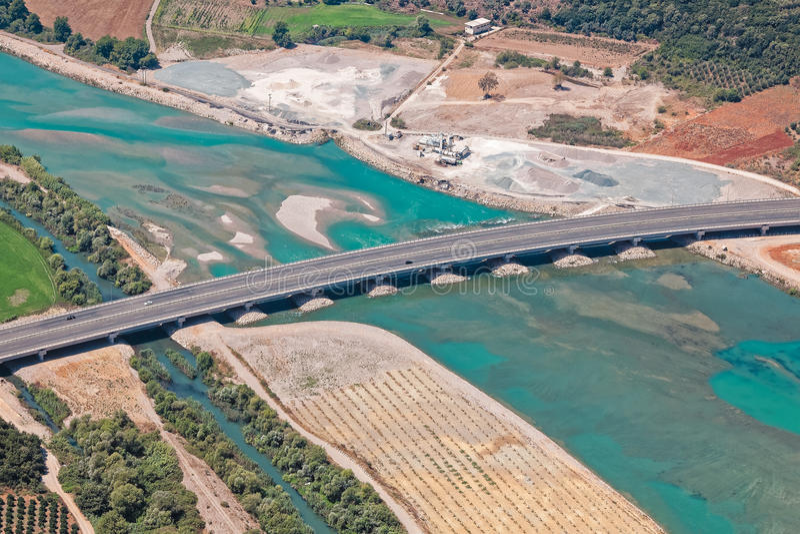 Мост на реке Achelous, Греции, виде с воздуха стоковое изображение