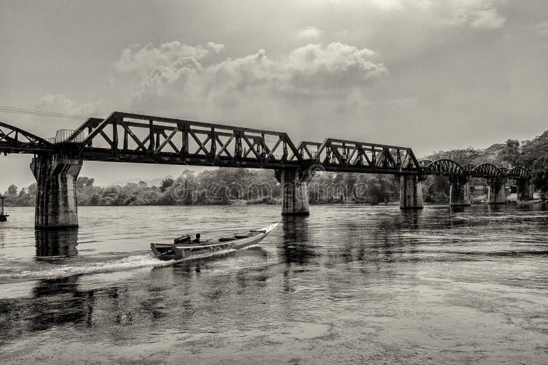 Download Мост на реке Kwai редакционное фото. изображение насчитывающей зодчества - 40575716