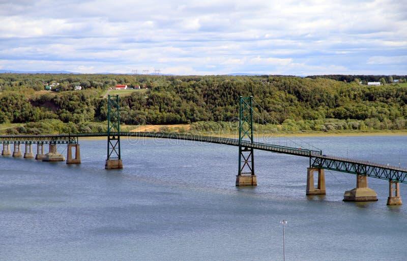 Мост на реке St. Лоренс стоковые фотографии rf