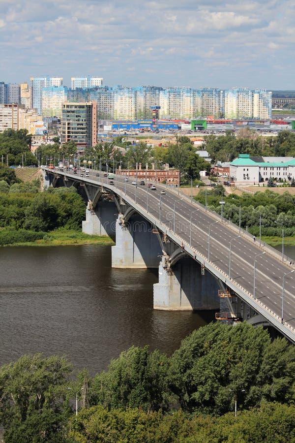 Мост над Рекой Волга в Nizhny Novgorod стоковые изображения rf