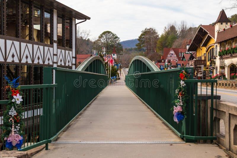 Мост над Рекой Chattahoochee, Хеленом, США стоковые изображения rf
