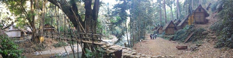 Мост на baduy деревне стоковые изображения