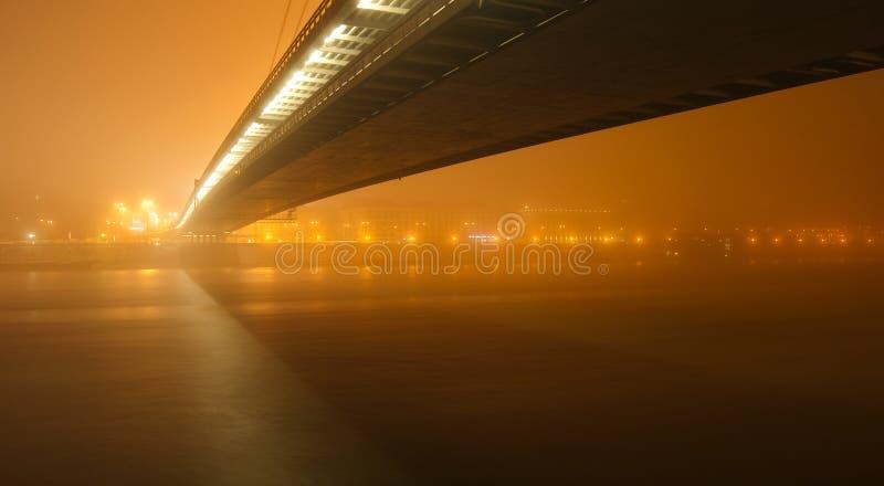 мост новый стоковые изображения