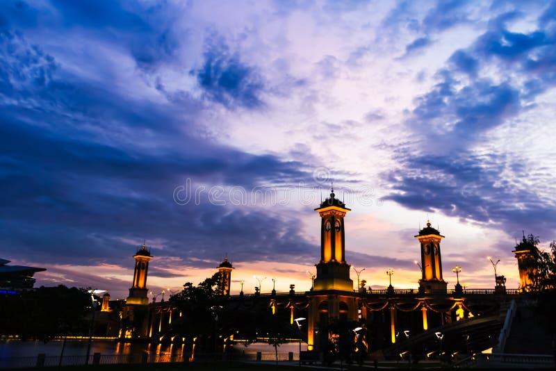 Мост Путраджайя Малайзия Seri Gemilang стоковые изображения rf