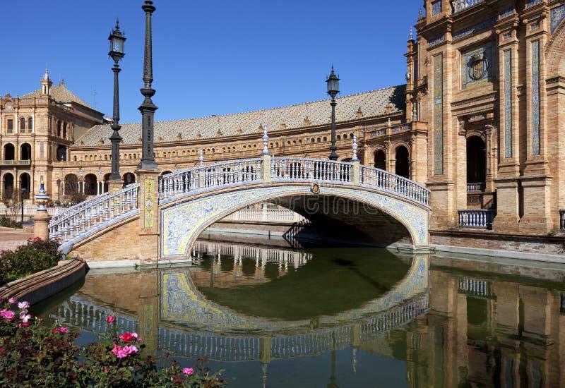 Мост Площади de Espana, Севильи, Испании стоковая фотография rf