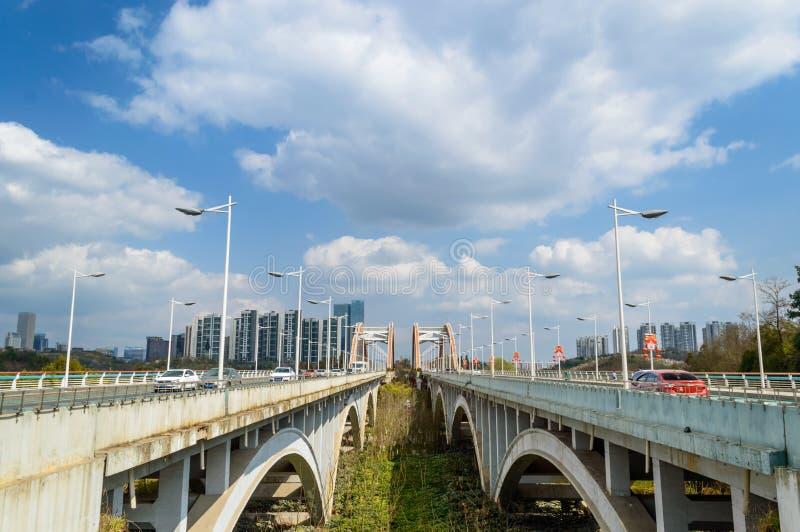 Мост радуги в городе 2 guiyang стоковые изображения