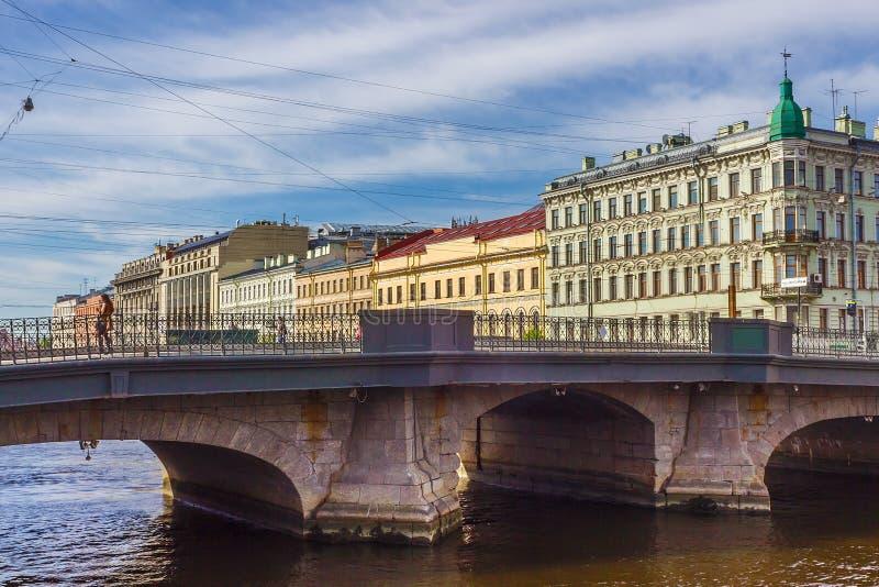 Мост реки Fontanka в Санкт-Петербурге, стоковые фотографии rf