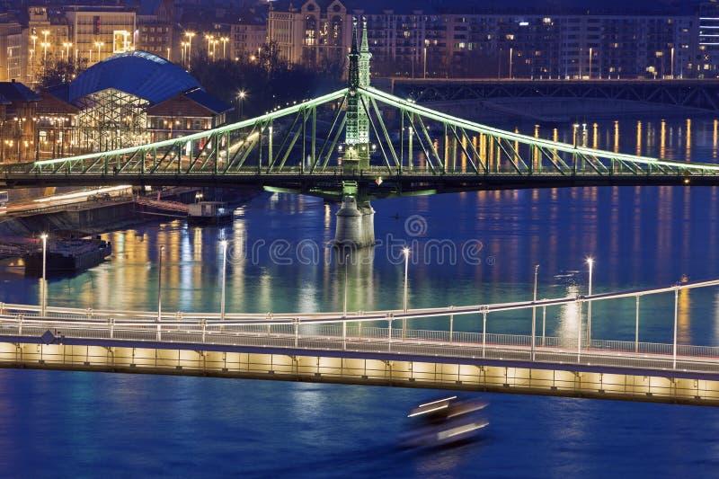 Мост свободы и мост Elisabeth стоковая фотография rf