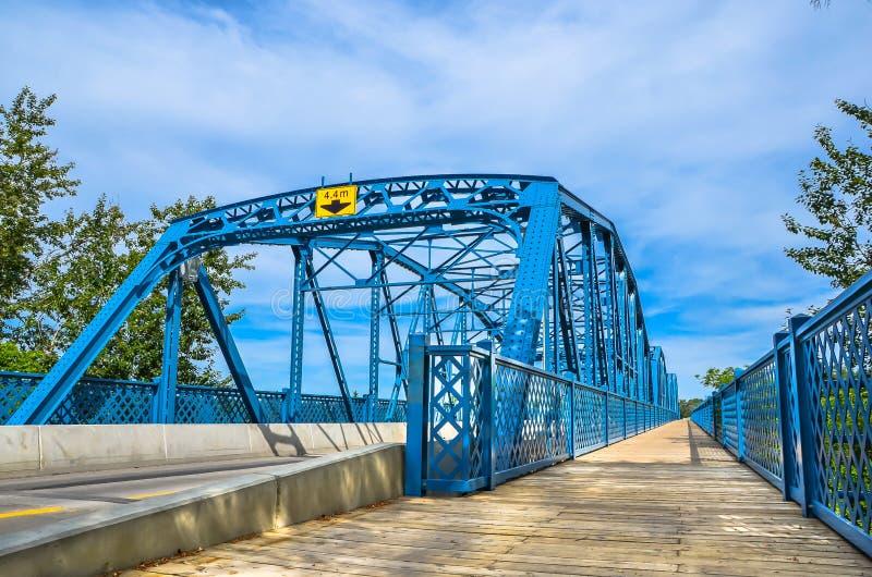 Мост сини Эдмонтона Dawson стоковые изображения rf