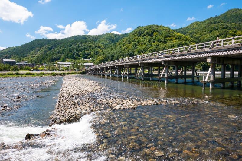 Мост Тогецуокё через реку Кацура стоковое изображение