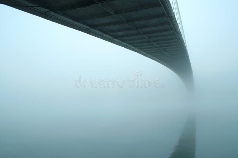 мост туманный стоковое фото