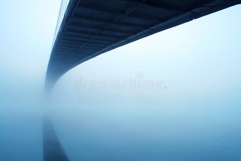 мост туманный стоковое изображение rf