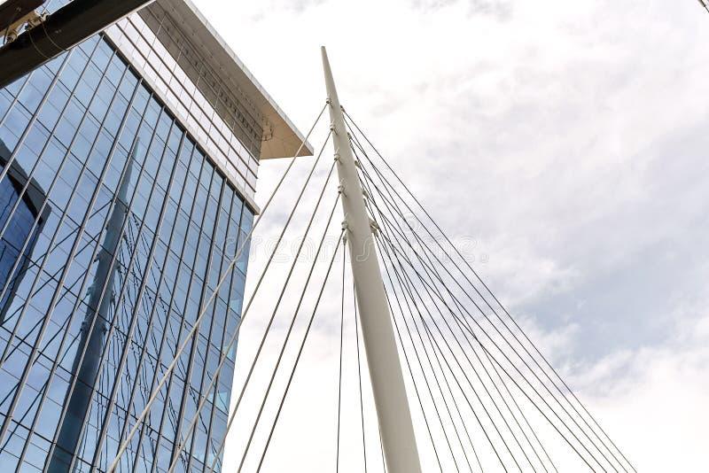Мост тысячелетия на общих паркует в Денвер, Колорадо стоковое фото rf