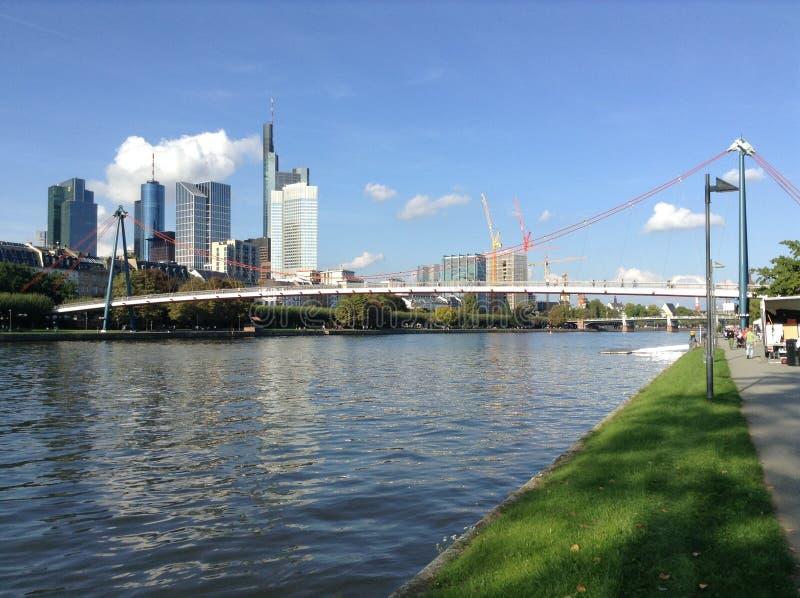 Мост утюга Франкфурта стоковые изображения rf