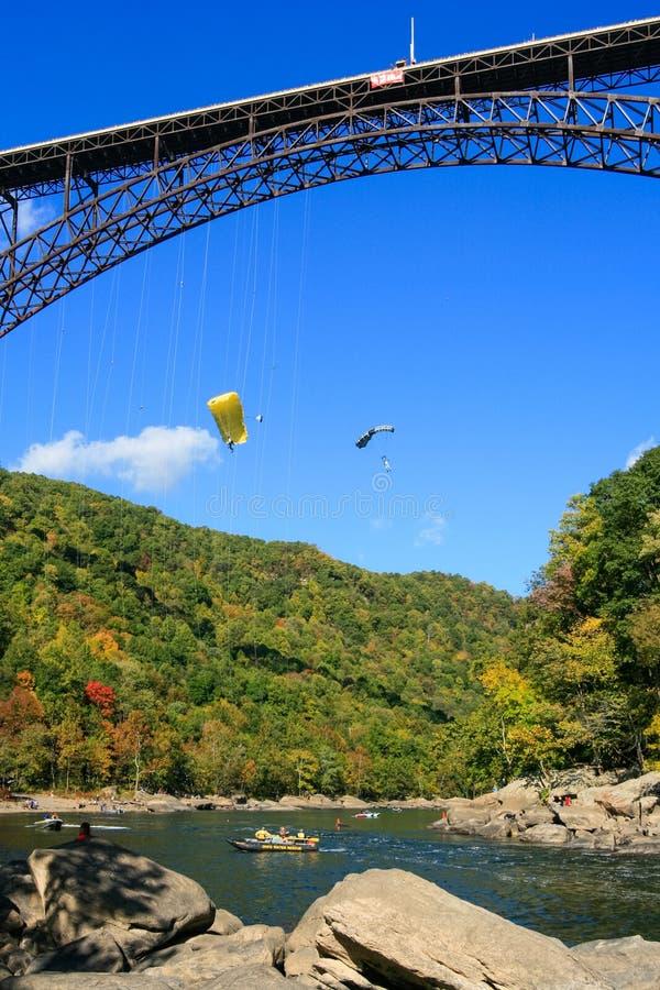 Мост ущелья нового реки шлямбуров основания дня моста стоковое изображение