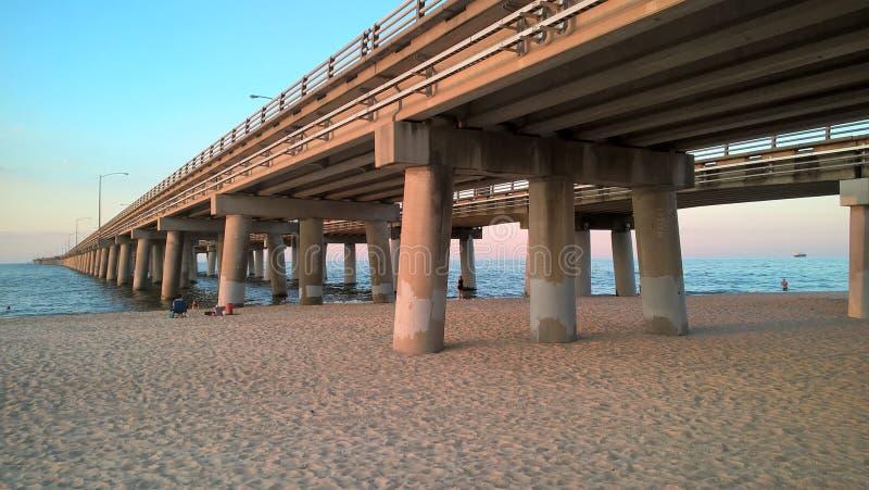 Мост чесапикского залива стоковые изображения