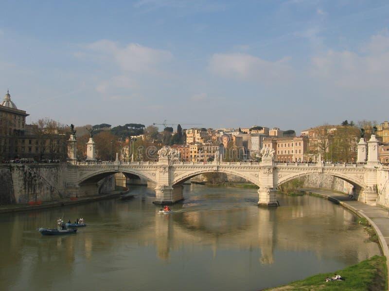 Download мост стоковое изображение. изображение насчитывающей камень - 477341