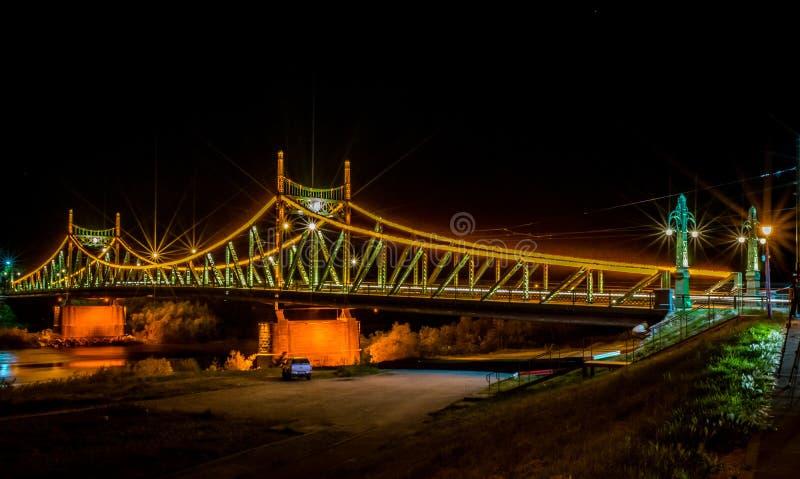 Мост Arad Traian, фото nighttime Румынии стоковая фотография