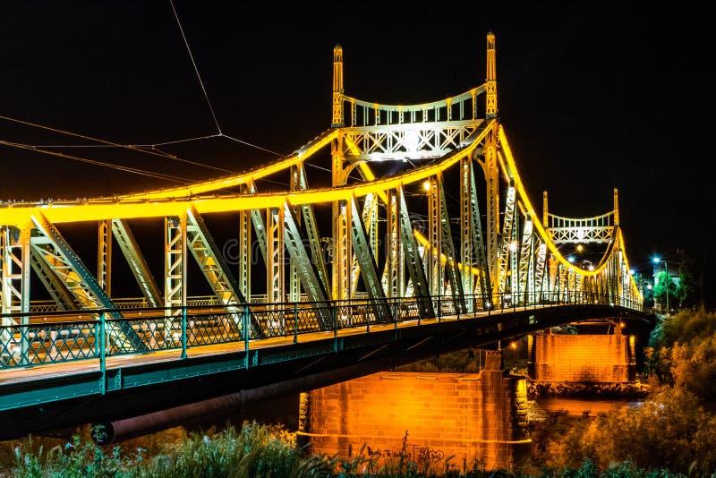 Мост Arad Traian, фото nighttime Румынии стоковое фото