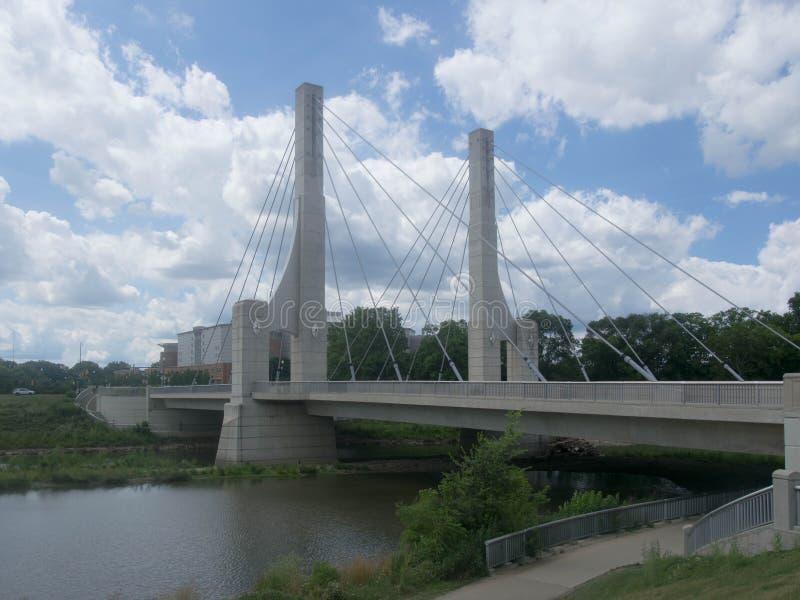 Мост Ave майны стоковое изображение