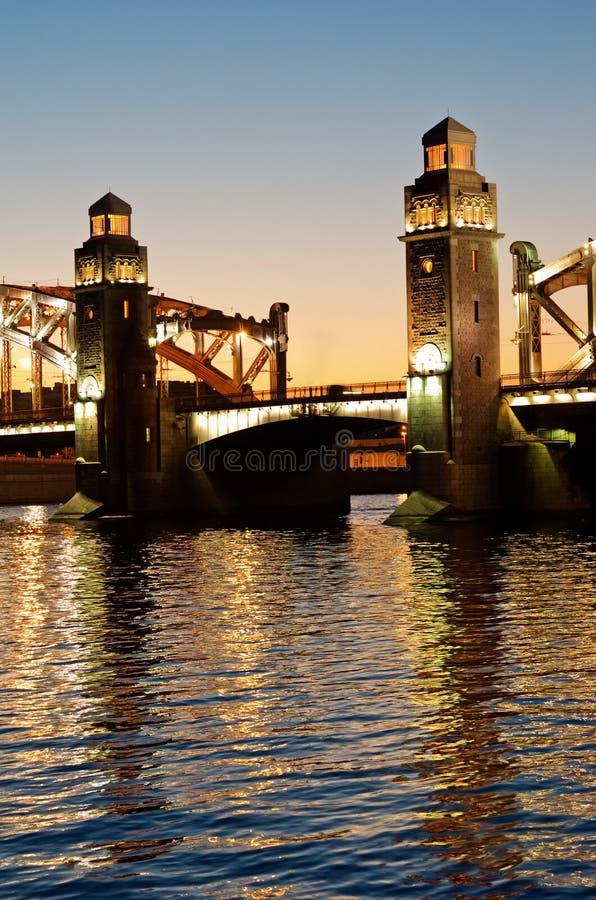 Мост Bolsheohtinskiy, StPetersburg, Россия стоковые изображения