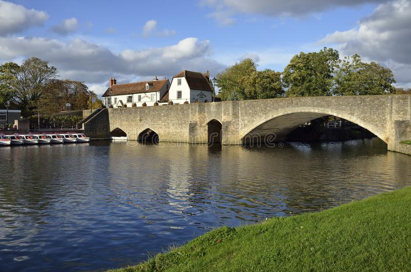 Мост Burford & река Темза стоковое фото rf