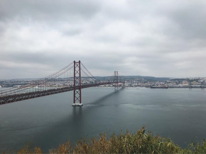 мост de 25 abril стоковая фотография