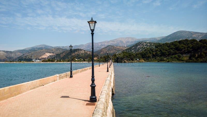 Мост Drapano в Argostoli, Kefalonia, Греции стоковые фото