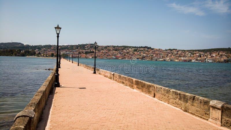 Мост Drapano в Argostoli, Kefalonia, Греции стоковые фотографии rf