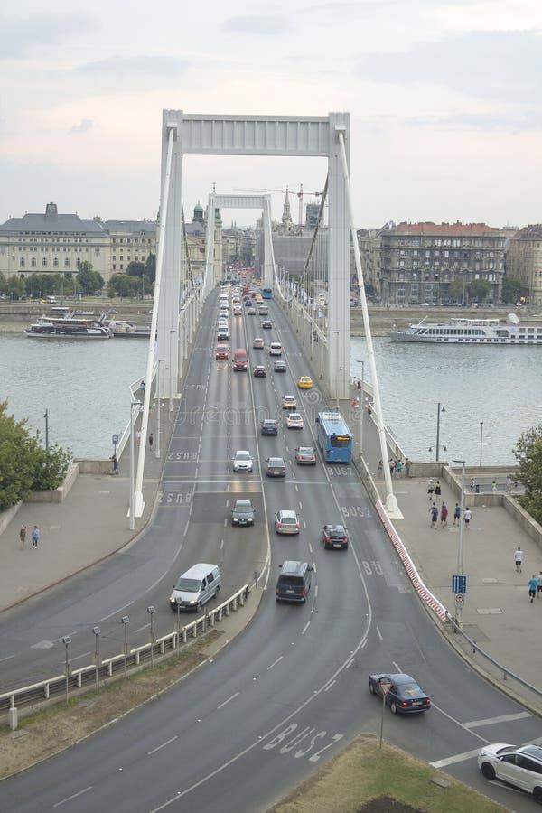 Мост Elisabeth через Дунай в Будапеште, Венгрии стоковое фото