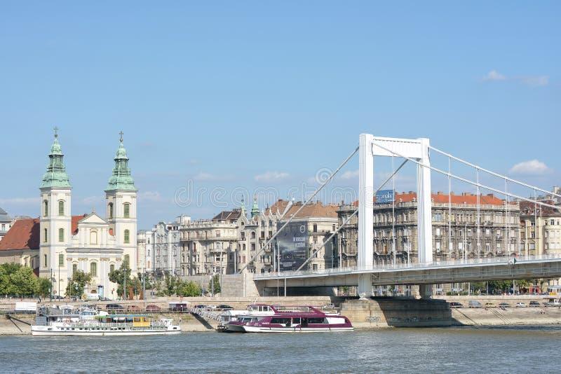 Мост Erzsebet и Дунай, Будапешт, Венгрия стоковое фото rf