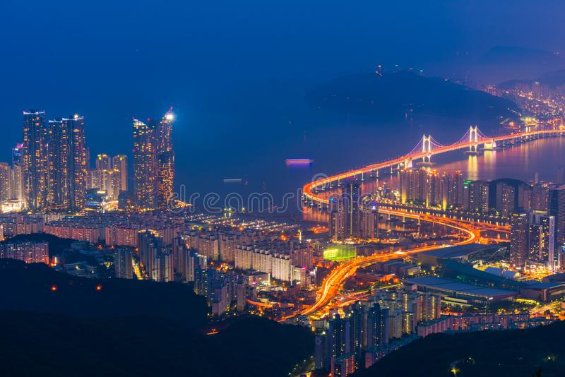 Мост Gwangan в городе Пусана, Южной Корее стоковое изображение rf