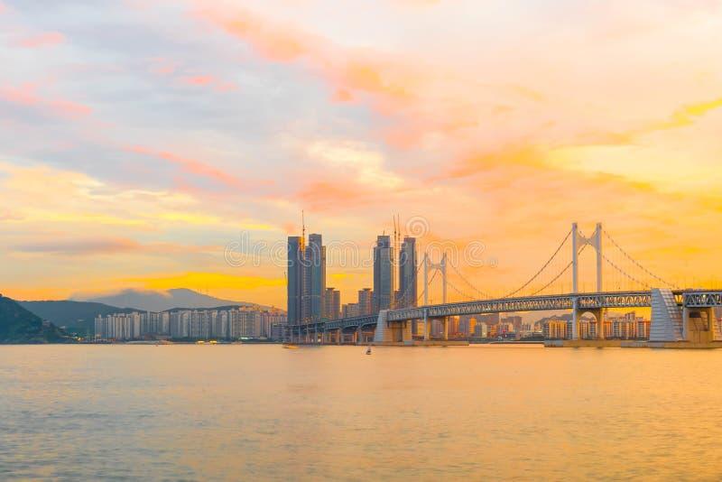 Мост Gwangan в городе Пусана, Южной Корее стоковые изображения rf