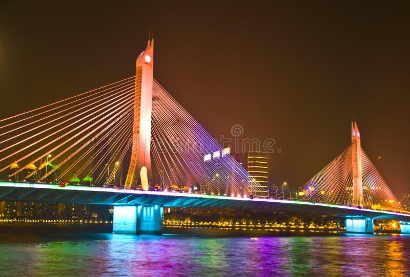 Мост HiYin в вечере Гуанчжоу стоковые изображения rf