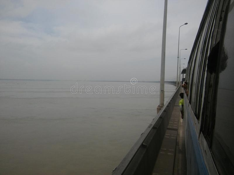 Мост Jamuna Бангладеша стоковое изображение rf