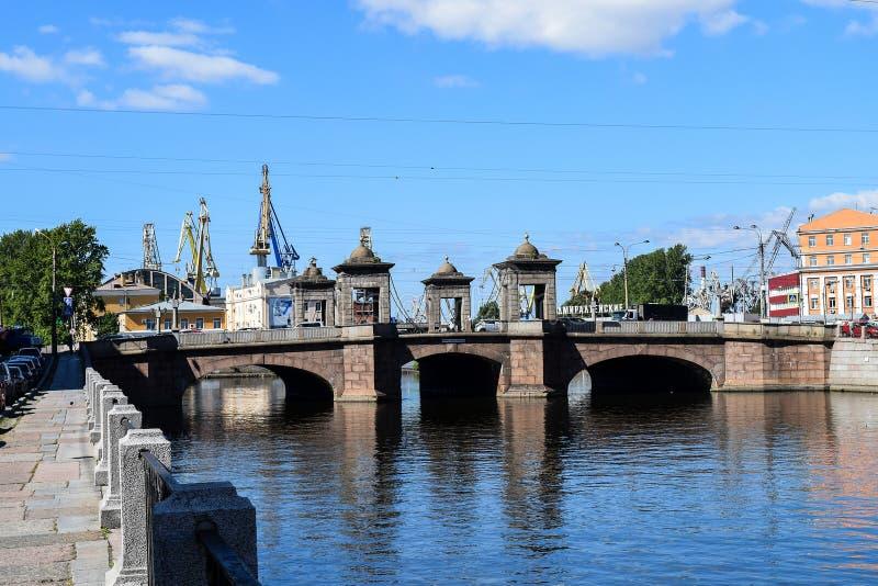 Мост Kalinkin в StPetersburg стоковые фотографии rf