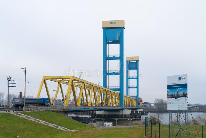 Мост Kattwyk в Гамбурге, Германии стоковое изображение