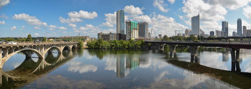Мост Lamar и городской Остин Техас стоковые изображения rf